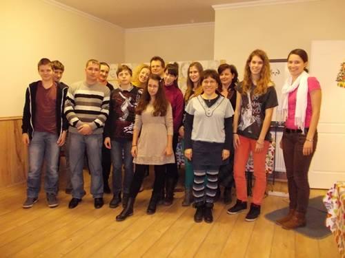 jobb-agyféltekés-rajztanfolyam-csoportkép-2013.12